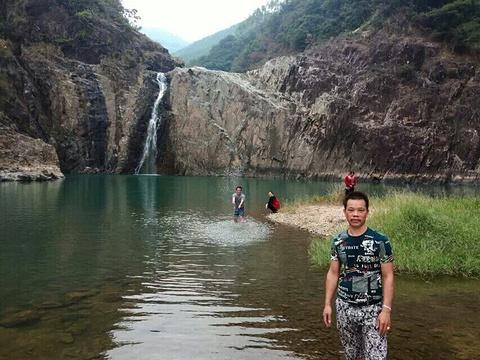 凤南百丈瀑布旅游景点图片