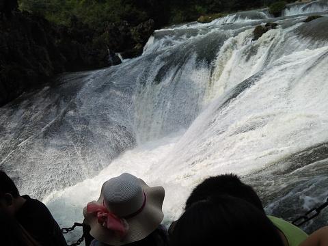 滴水滩瀑布旅游景点图片