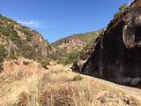 沙登菁石窟景区