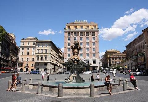 巴贝里尼广场的图片