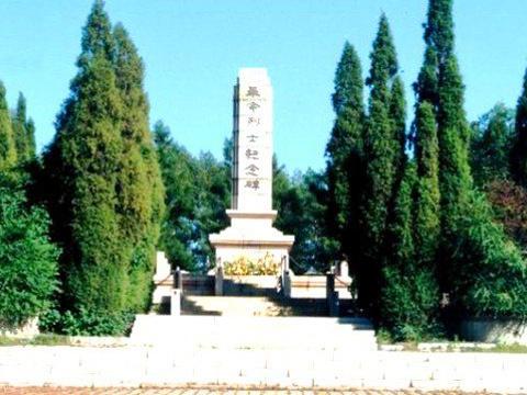 杨子荣烈士陵园旅游景点图片
