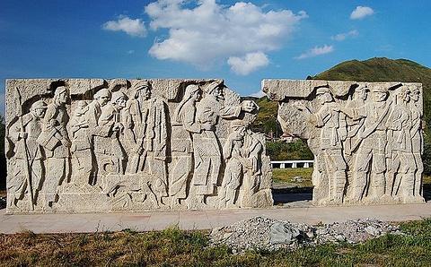 红军长征纪念碑碑园