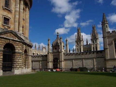 牛津新学院旅游景点图片