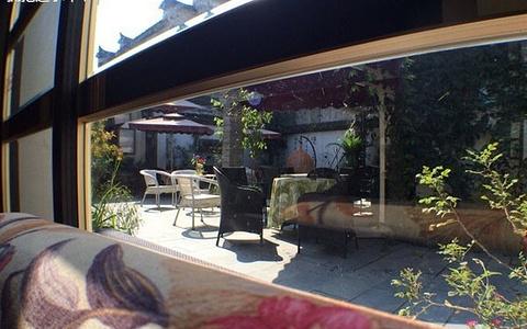 半朵悠莲-宏村咖啡馆