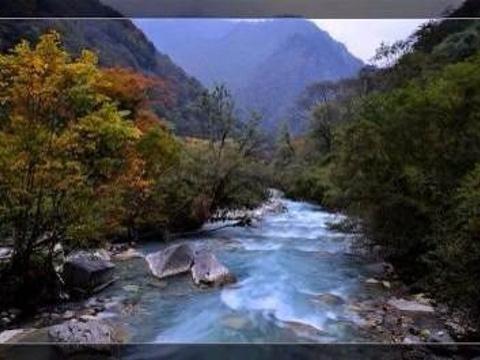东拉山大峡谷旅游景点图片