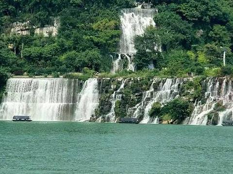 蟠龙瀑布群旅游景点图片
