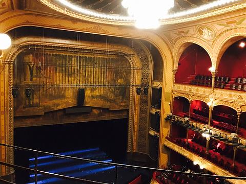 小城堡-巴黎歌剧院