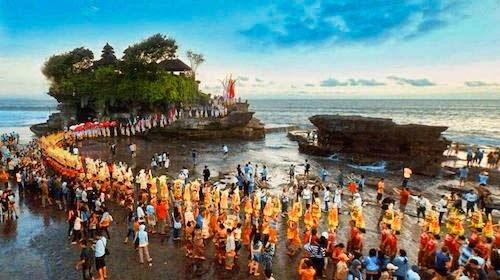 海神庙周年庆典(Tanah Lot Temple Piodalan Anniversary)