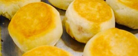 纯绿豆饼的图片