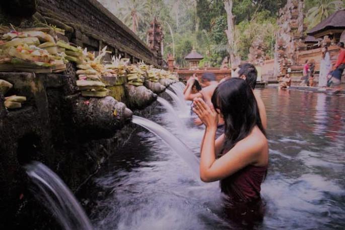 圣泉寺周年庆典(Tirta Empul Temple Piodalan Anniversary)