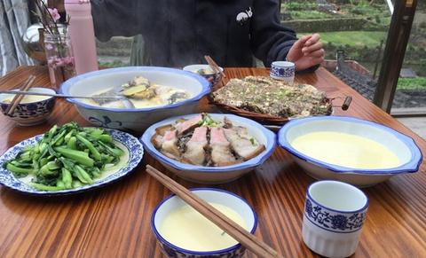飞凤峡黑妞鱼馆