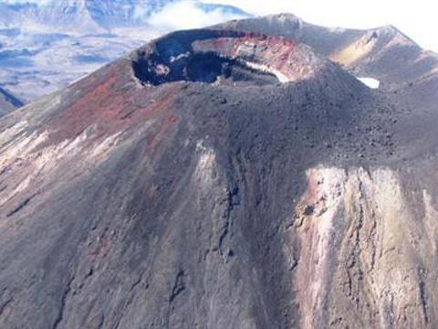 瑙鲁赫伊山旅游景点图片