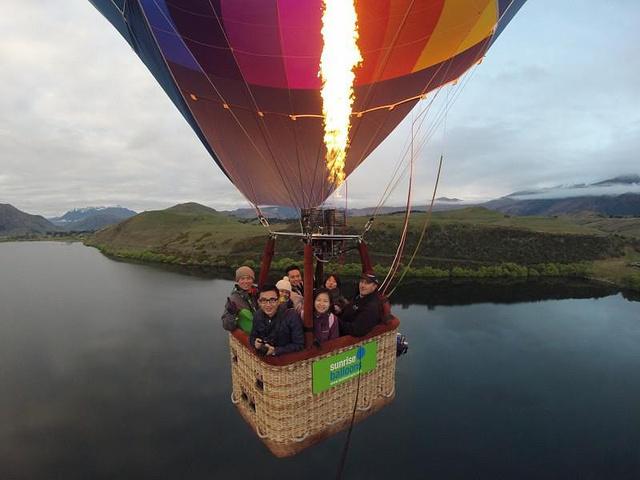 """""""热气球是 皇后镇 最后欢迎的活动了,当时去 天气很好, 热阳光很美_""""的评论图片"""
