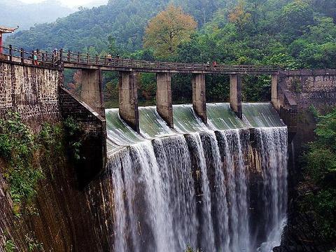 红坎瀑布旅游景点图片