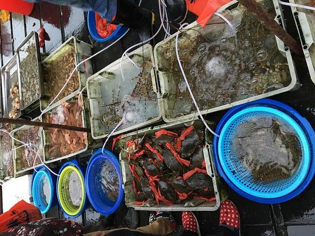"""""""在老板的推荐下,晚上在当地的环球码头买海鲜准备饱餐一顿_环球码头""""的评论图片"""