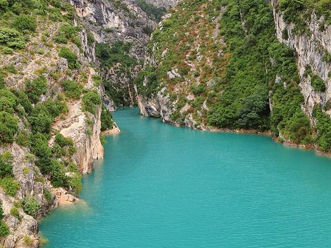 凡尔登大峡谷和圣十字湖旅游景点图片