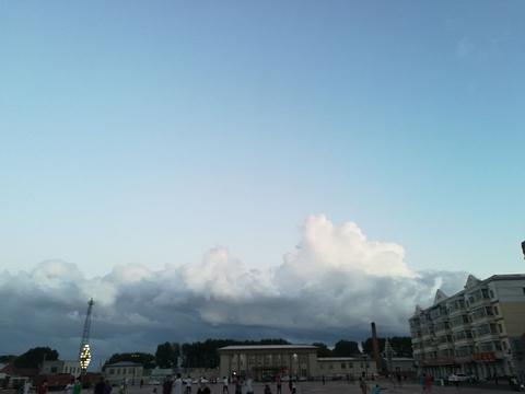 站前广场旅游景点图片