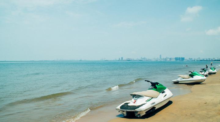 假日海滩旅游图片