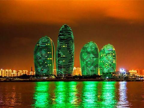 夜游三亚湾旅游景点图片