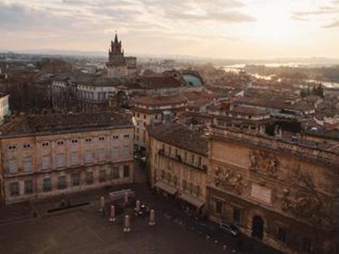 教皇宫广场旅游景点图片