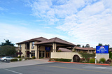 半月湾美国最值旅馆及套房酒店