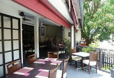 Aioli Restaurant