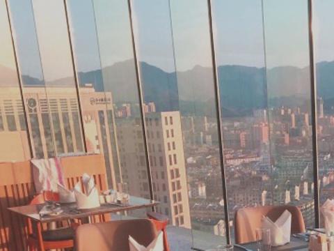 景瀚大酒店揽景阁旋转餐厅旅游景点图片