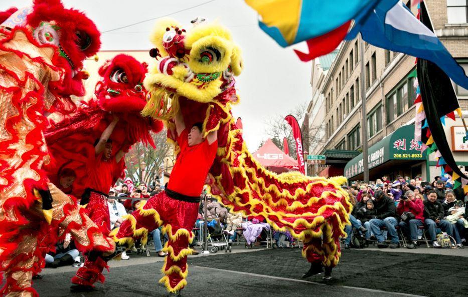 中国城新年舞龙舞狮游行