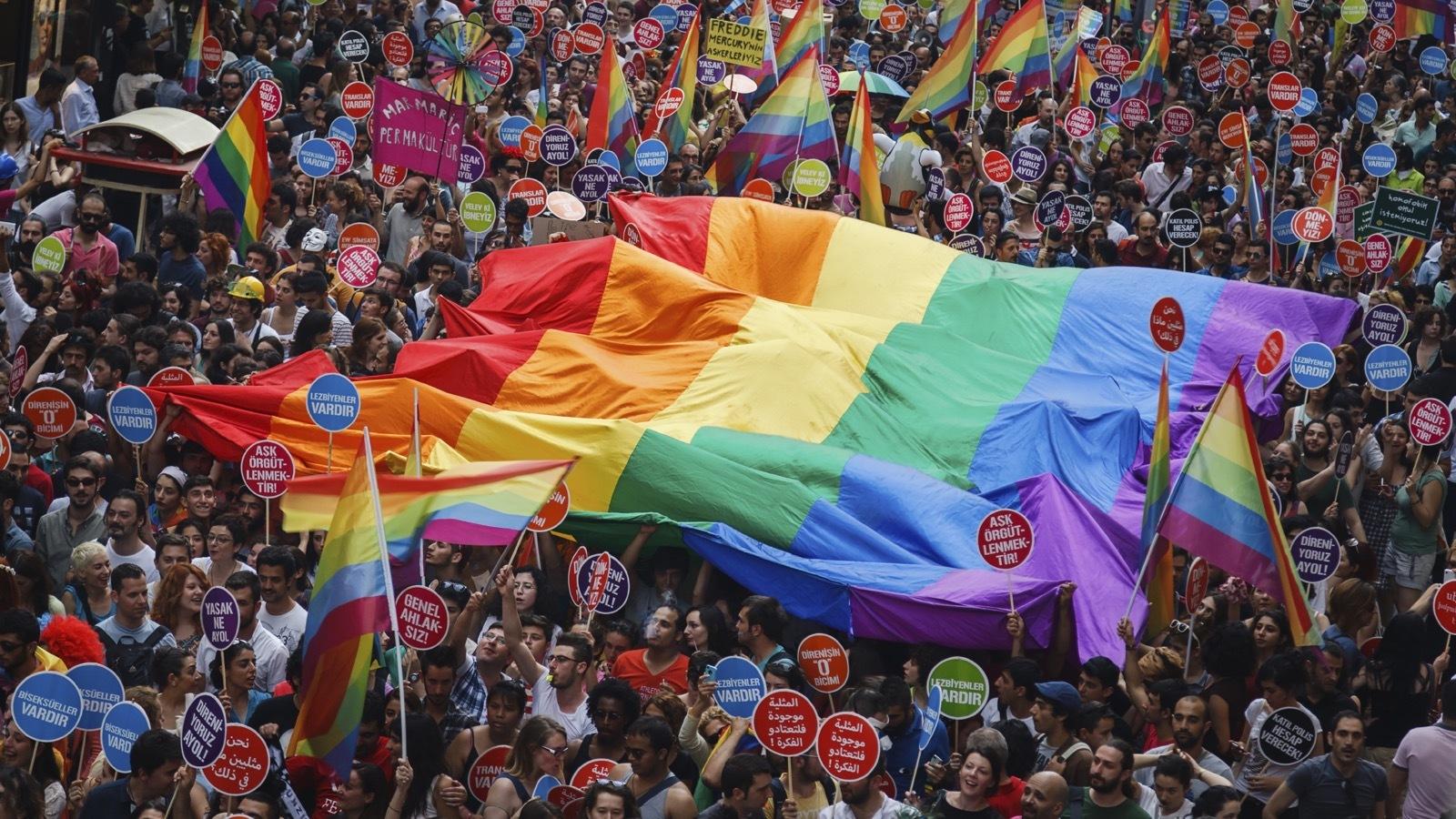 温哥华同性恋自豪大游行