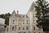 里昂康福特国际城市公寓式酒店
