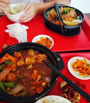 排骨米饭黄焖鸡米饭