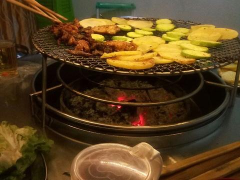 蒙哥大竹签烧烤旅游景点图片