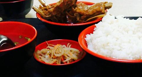 排骨米饭的图片