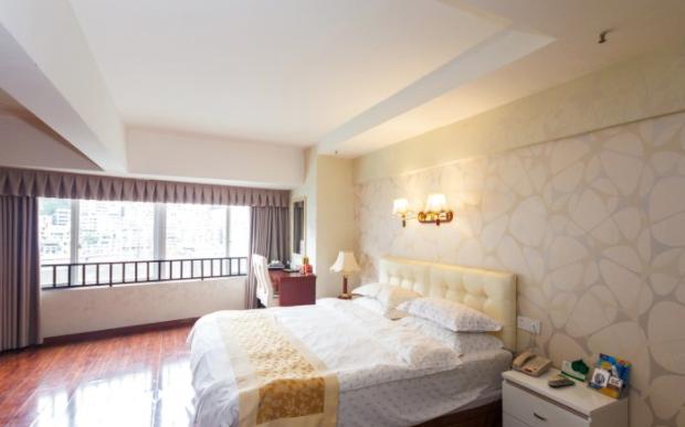Q加•武隆水漾年华酒店