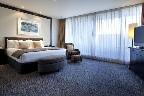 奥克兰皇冠假日酒店