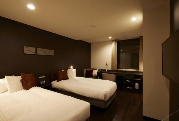 大阪难波红屋顶加级酒店