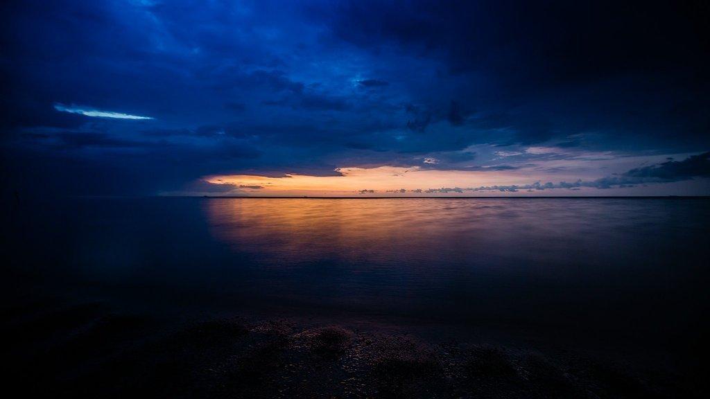 罗威那海滩