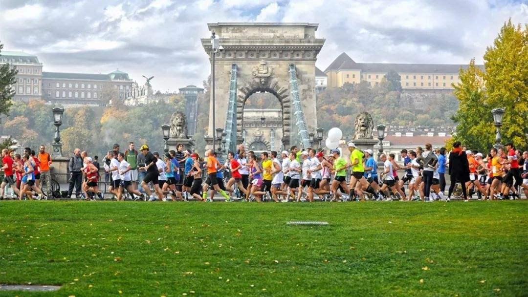 布达佩斯马拉松赛