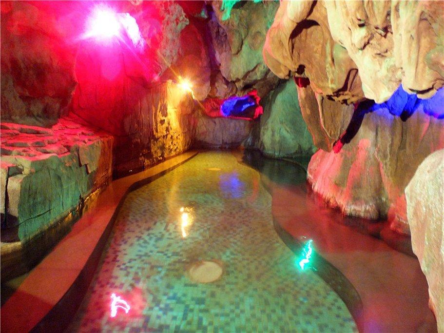 英德奇洞温泉度假区