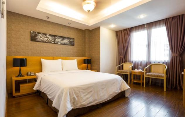 TRIIP精品滨城酒店