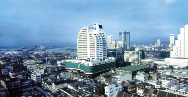 是隆中央酒店