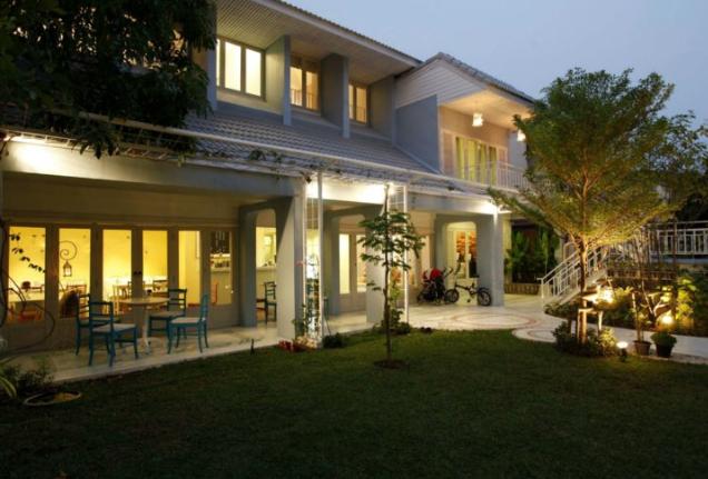 班梦-翁酒店