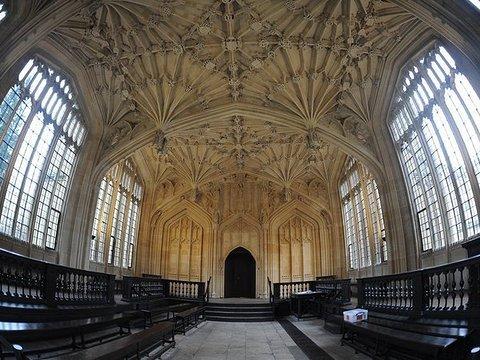 学术重镇牛津城一日游
