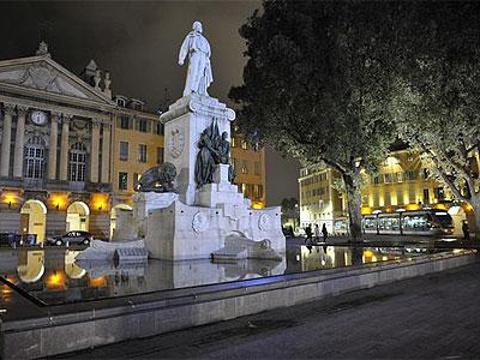 加里波第广场旅游景点图片
