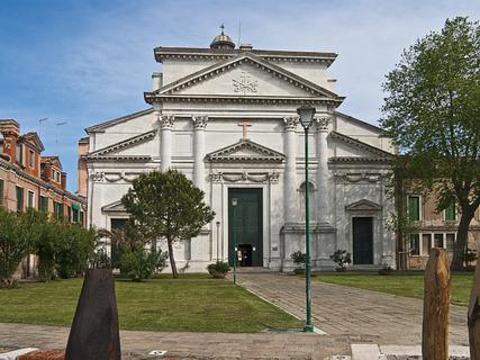 圣皮耶罗堡教堂