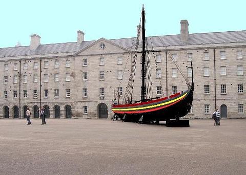 爱尔兰国家装饰艺术品和历史博物馆