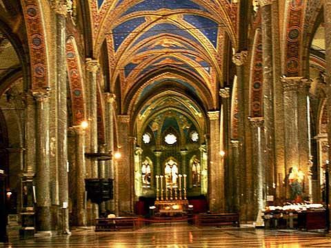 神庙遗址圣母堂的图片