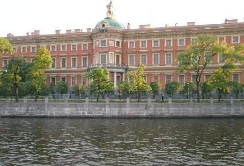 米哈伊洛夫斯基剧院