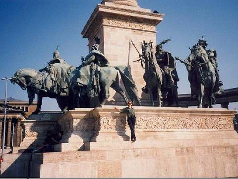 千年纪念碑旅游景点图片