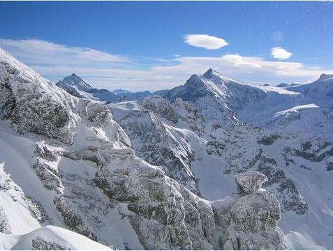 铁力士雪山的图片